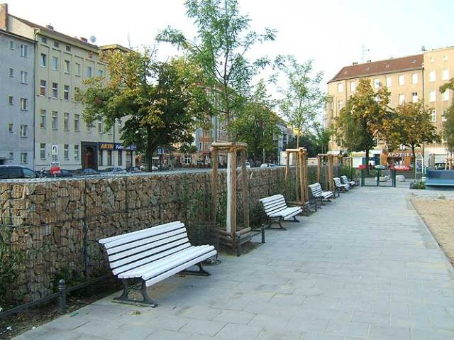 Nauener Platz playground with noise barrier